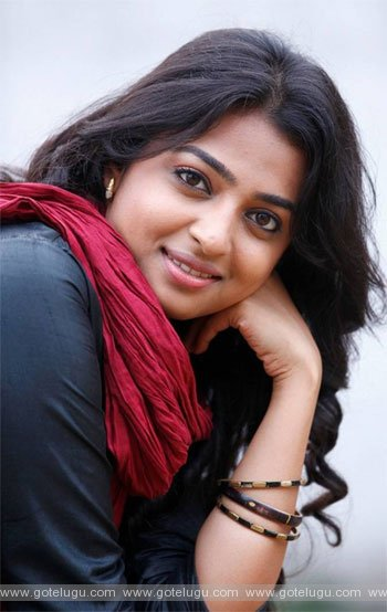radhika apte not a heroin  singer  also