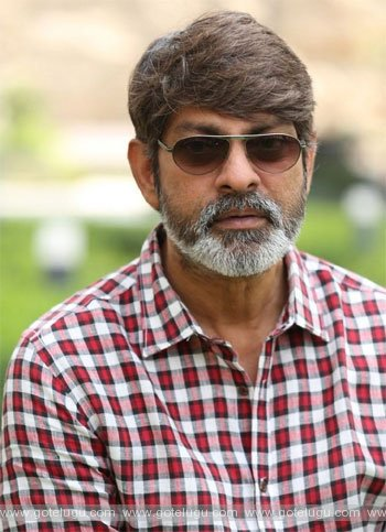 jagapati babu act in 4  languages