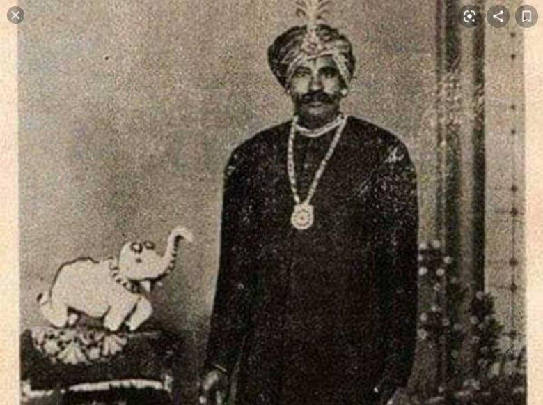 ఉయ్యలవాడ నరసింహారెడ్డి.