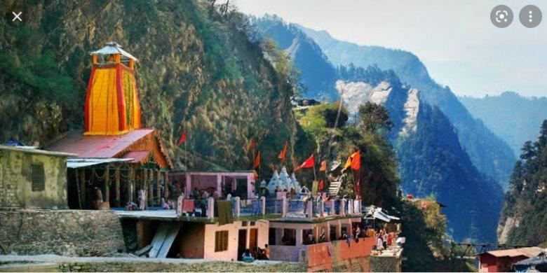 యమునోత్రి.చార్ థామ్ యాత్రలొ తొలి ఆలయం.