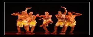 పేరిణి నృత్యం.